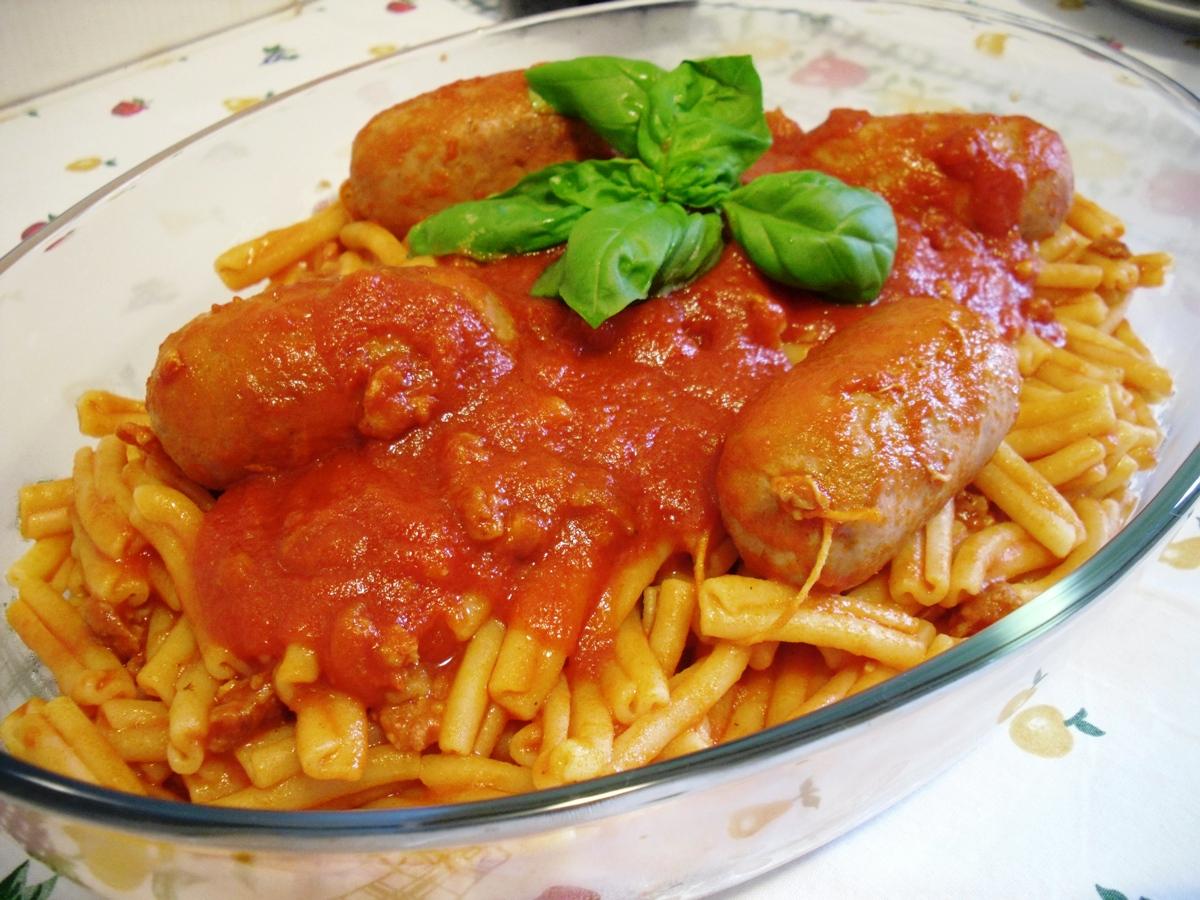 Caserecce al sugo di salsiccia pasta cu sucu ra sasizza for A cucina ra nonna